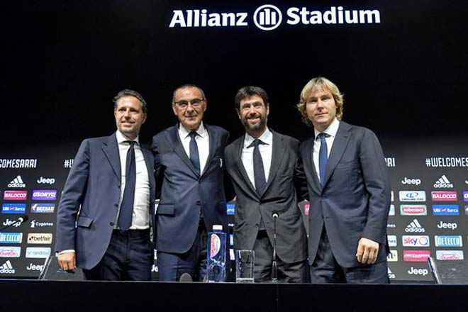 "HLV Sarri ra mắt ghế nóng Juventus: Nịnh Ronaldo, ""kể tội"" Hazard - 1"