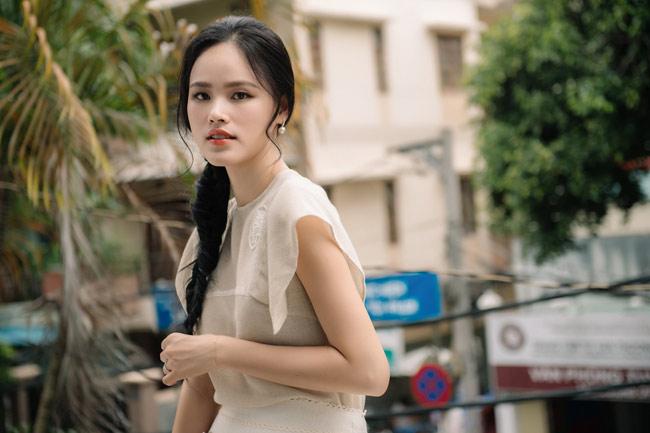 Tuyết Lan khiến người khác ngỡ ngàng bởi vẻ ngoài xinh đẹp và có phần trẻ trung hơn so với thời mới đăng quang Á quân Vietnam's Next Top Model 2010.