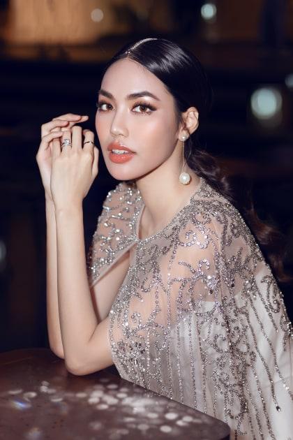 Váy che bụng bầu đỉnh cao của Lan Khuê khiến người nhìn trầm trồ - 1