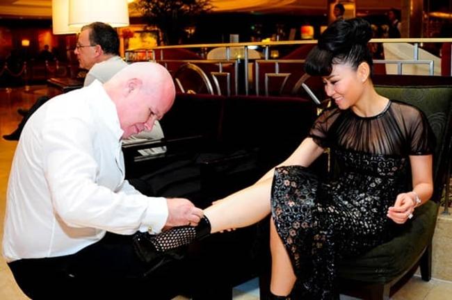 Ca sĩ Thu Minh kết hôn với doanh nhân Otto De Jager vào năm 2012. Trên mạng xã hội, cô thường xuyên khoe cuộc sống giàu có, hạnh phúc của mình bên ông xã.