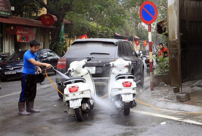 Thói quen tàn phá xe máy nhanh khủng khiếp ngày nắng nóng - 1
