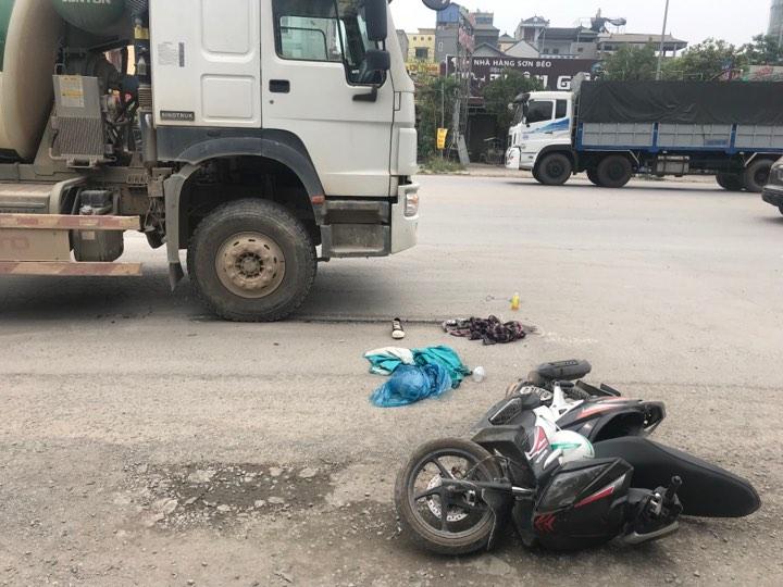 Trên đường đi thi về, nam sinh bị xe bồn tông gãy chân - 1