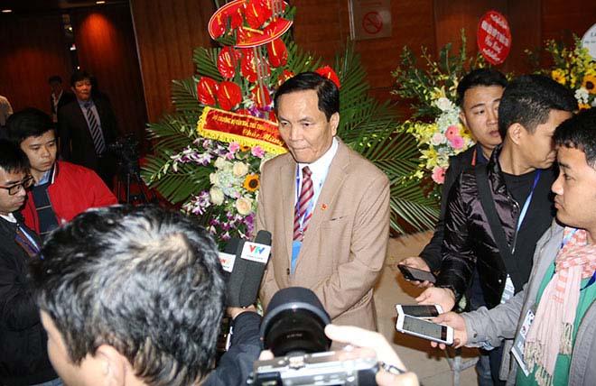 Ông Cấn Văn Nghĩa nói lý do từ chức phó Chủ tịch VFF - 1