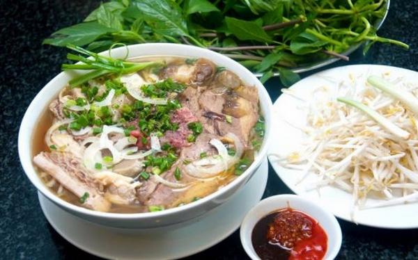 Bánh đúc, phở Lệ có thâm niên lâu đời, nổi tiếng ở Sài Gòn-Ẩm thực 24h,cườm ủi