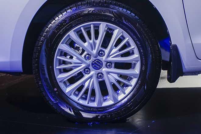 Suzuki Ertiga thế hệ mới chính thức ra mắt khách hàng Việt - 7