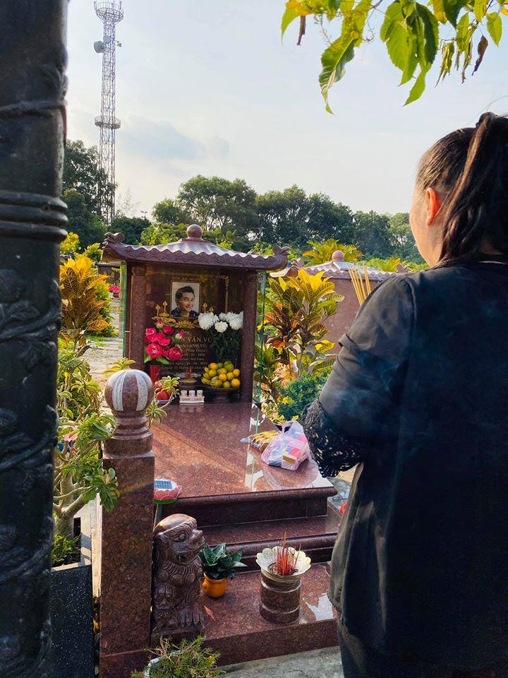 Hồng Vân tiết lộ tâm nguyện dành cho Mai Phương sau đám tang không kèn trống - 1