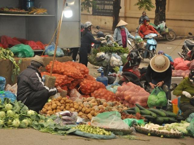 Ngày đầu tiên cách ly toàn xã hội: Chợ dân sinh và siêu thị có gì đặc biệt?