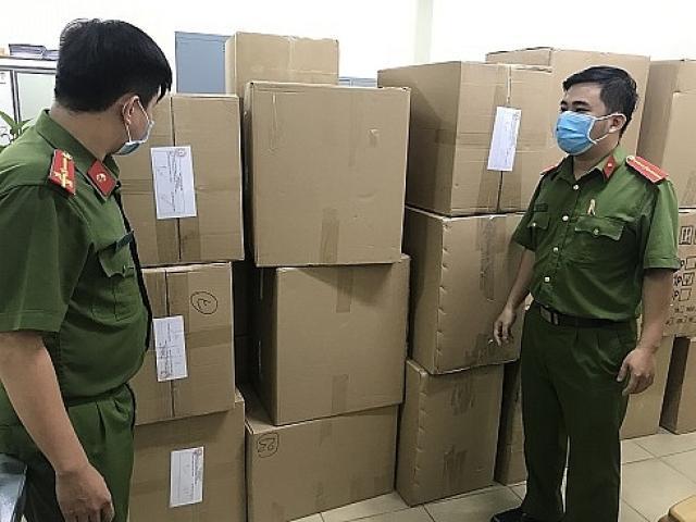 Phát hiện gần 78.000 chiếc khẩu trang y tế do người nước ngoài thu gom xuất lậu