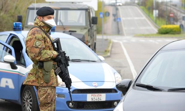 Italia: Thêm hơn 700 người tử vong và dấu hiệu dịch đang chững lại - 1