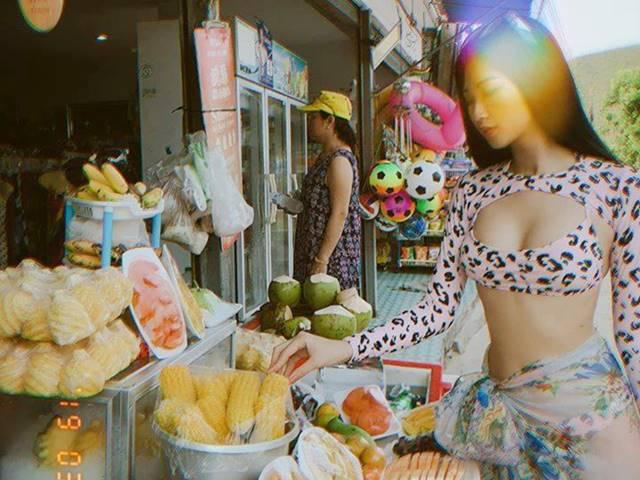 Danh tính bất ngờ của cô gái Việt mặc bikini mua hoa quả ở chợ