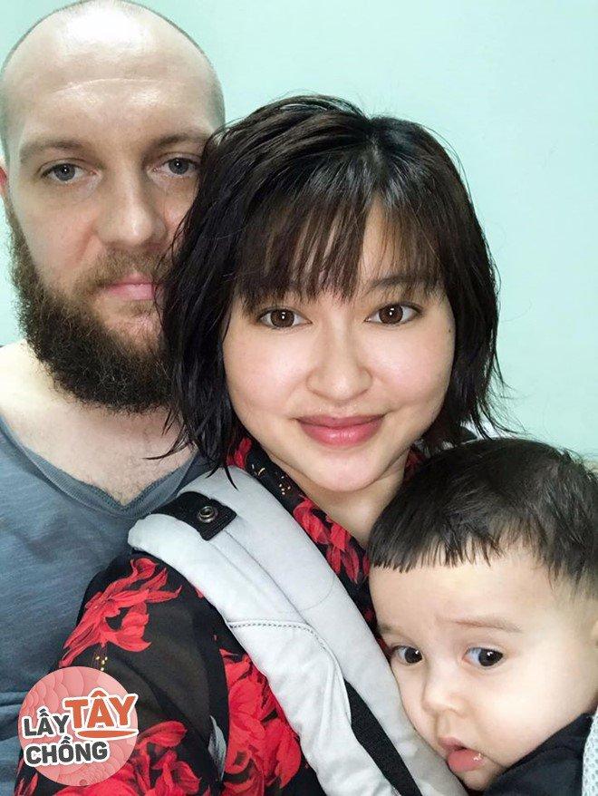 9X Việt cưới chồng Úc, bố mẹ đẻ ăn mừng, bố mẹ chồng lại khóc hết nước mắt - 1