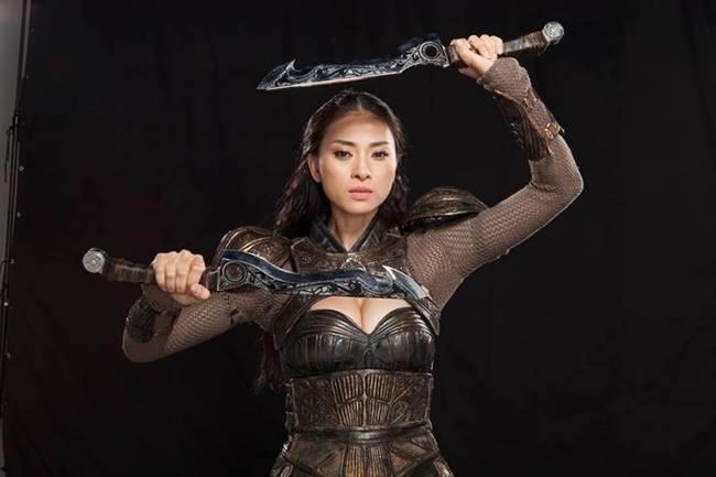 """Ngô Thanh Vân chia sẻ cô mất gần 20 năm để có danh xưng """"đả nữ số 1"""" của làng điện ảnh Việt. Để duy trì phong độ, nữ diễn viên phải dành rất nhiều thời gian luyện tập thể chất."""