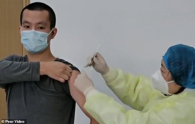 TQ: Nhóm thử vaccine Covid-19 đầu tiên được về nhà, tình trạng sức khỏe ra sao? - 1