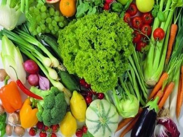 Nhiều loại rau củ quả Việt Nam rớt giá rẻ như cho vì Covid-19