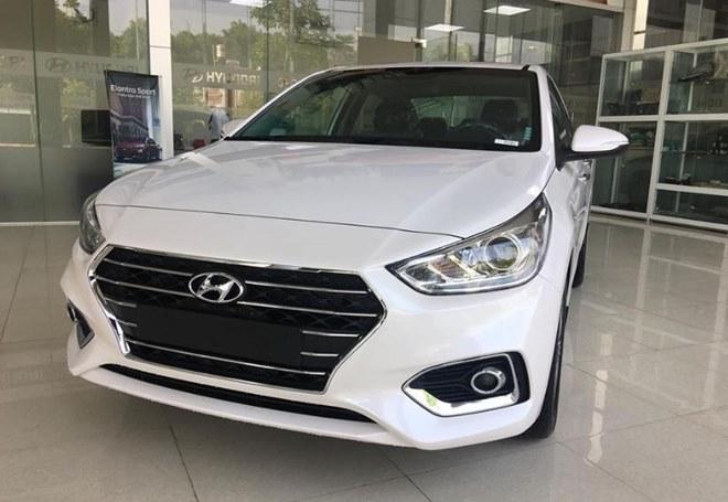Giá xe Hyundai Accent lăn bánh mới và giá xe Accent cũ - 1