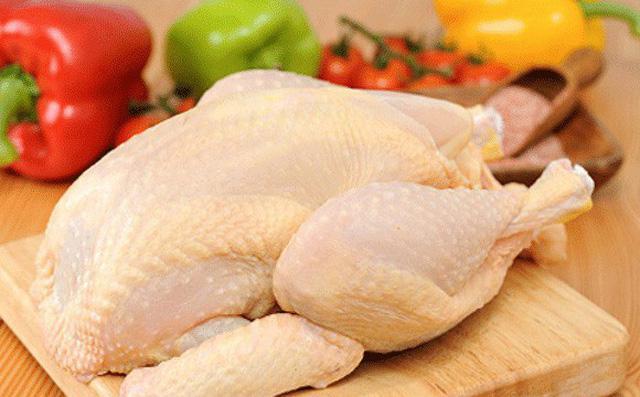Thịt gà trữ đông trong tủ lạnh nhưng sẽ tươi ngon như vừa mới mua về chỉ cần bí quyết này khi chế biến - 1