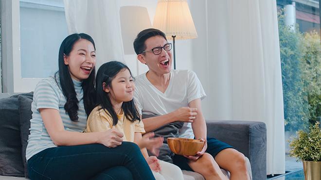 Ở nhà xem gì trên truyền hình mùa này? - 1