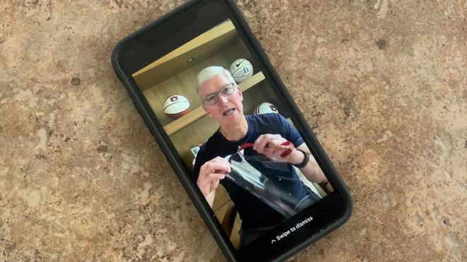 Apple tự sản xuất và cung cấp tấm che mặt cho nhân viên y tế - 1