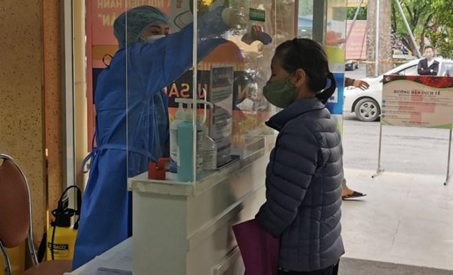 Cách ly 75 y bác sĩ BV Phụ sản Hà Nội và BV Phúc Yên do liên quan đến ca 243 - 1