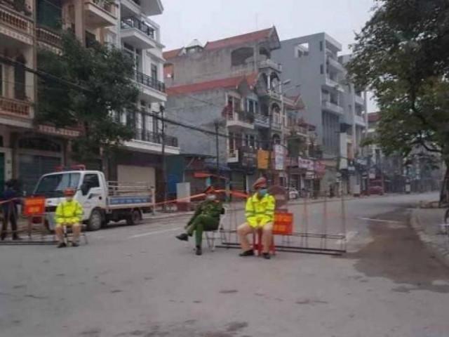 Dịch Covid-19: Người dân Bắc Giang bất ngờ khi một tuyến phố bị phong tỏa
