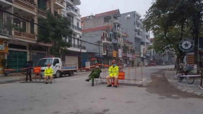 Dịch Covid-19: Người dân Bắc Giang bất ngờ khi một tuyến phố bị phong tỏa - 1