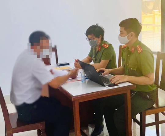 Bị phạt 12,5 triệu đồng vì bình luận sai sự thật vụ 2 công an hy sinh ở Đà Nẵng - 1