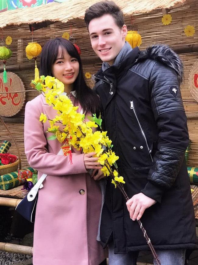 Cô gái Việt quyết tâm cưa đổ bạn trai ngoại quốc dù từng bị từ chối 2 lần - 1