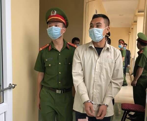Phạt tù thanh niên không đeo khẩu trang, tấn công cán bộ phòng chống dịch Covid-19 - 1