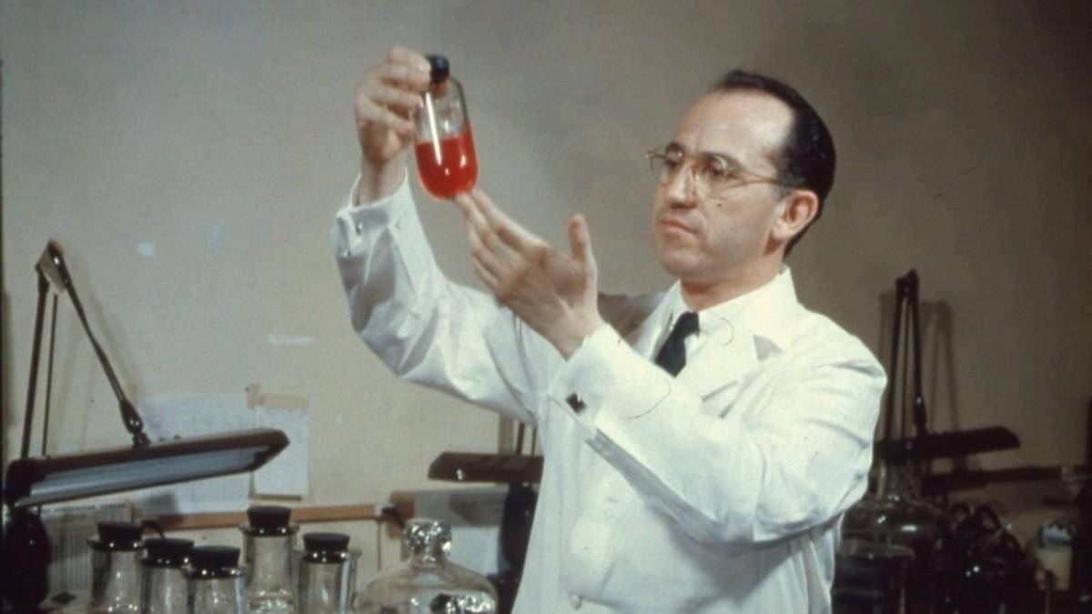 Vị bác sĩ từ chối 7 tỷ USD để vắc xin phòng virus nguy hiểm được cung cấp cho cả thế giới - 2
