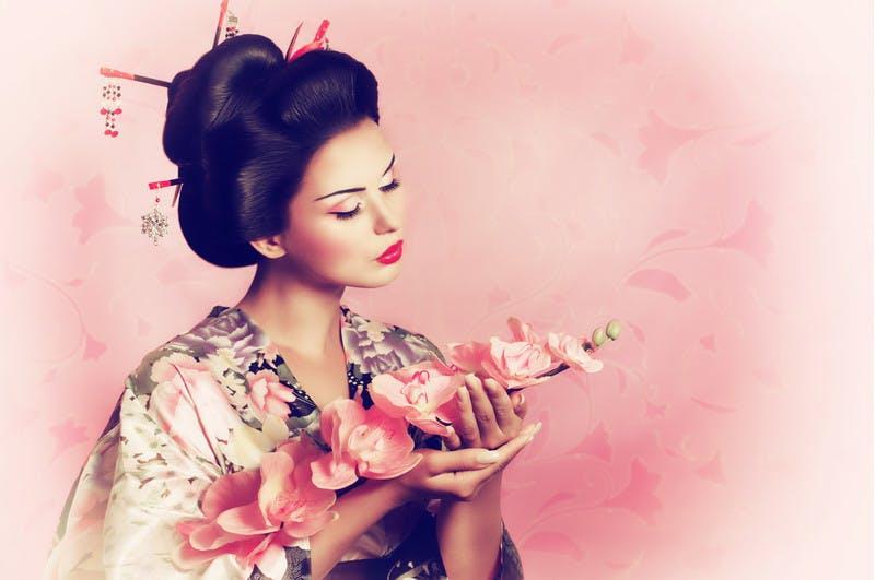 Phụ nữ Nhật nói không với tóc xấu nhờ 3 bí quyết này - 1