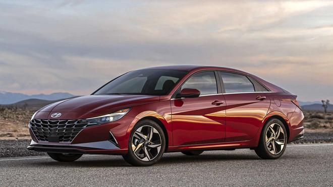 Soi trang bị công nghệ và tiện nghi trên Hyundai Elantra 2021