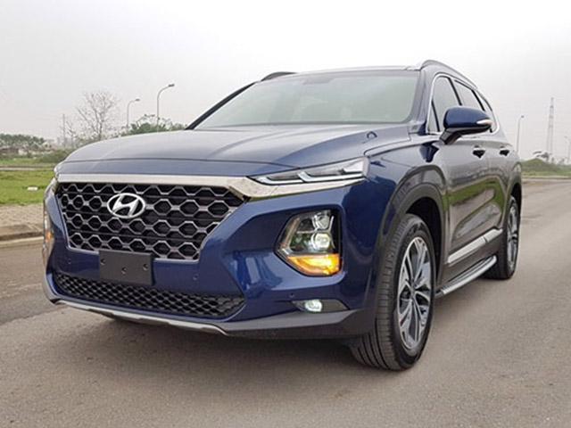 Hyundai SantaFe giảm giá đến 100 triệu, quyết dành thị phần với Toyota Fortuner