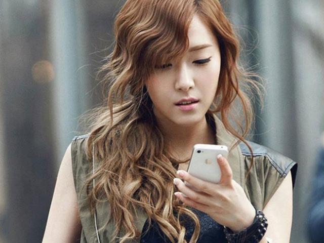 """iPhone SE 2020 trở thành """"cứu tinh"""" giữa mùa dịch Covid-19 nhờ tính năng """"cổ lỗ sĩ"""" này"""