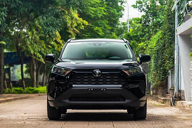 Soi chi tiết xe Toyota RAV4 bản tiêu chuẩn tại Việt Nam, có giá 2,3 tỷ đồng - 1