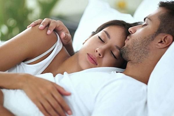"""Những việc nên và không nên làm trước khi ngủ quyết định """"sống còn"""" đến tuổi thọ - 1"""