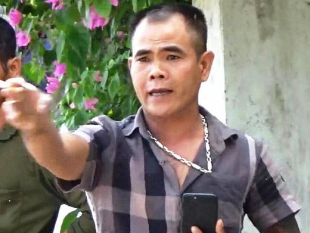 Chủ quán cà phê cầm dao đuổi chém tổ phòng, chống dịch lĩnh 18 tháng tù