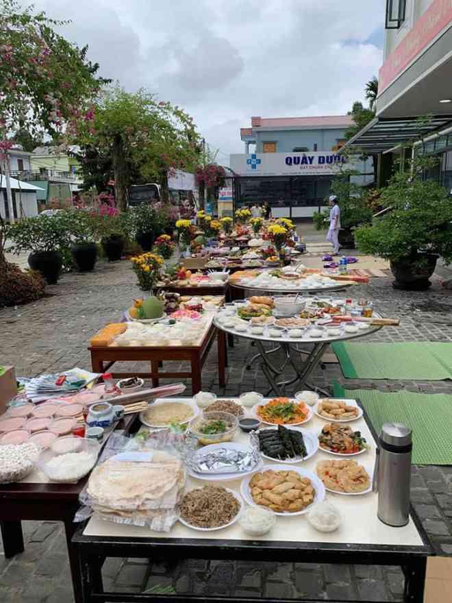 Quảng Nam: Lãnh đạo bệnh viện nói về việc cúng 12 mâm cỗ - 1
