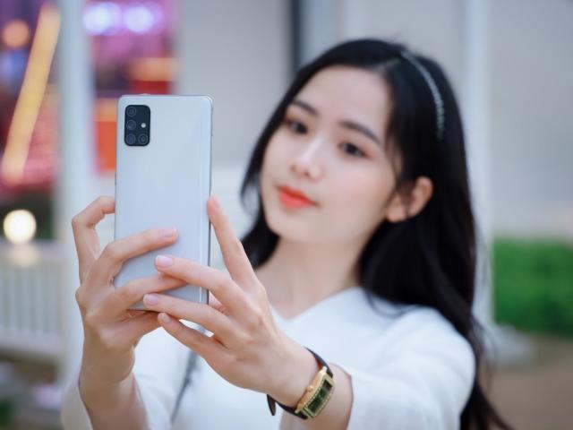 """Cùng phân khúc giá với iPhone SE 2020 có những smartphone này còn """"ngon"""" hơn nhiều"""