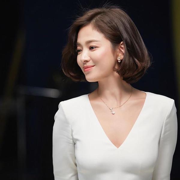 """Với lối trang điểm """"doạ ma"""" người nhìn, Song Hye Kyo bị chê tả tơi - 1"""
