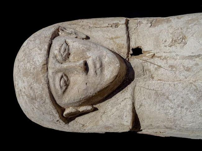 Ai Cập: Tìm thấy xác ướp thiếu nữ 3.600 năm tuổi nguyên vẹn cùng báu vật - 1