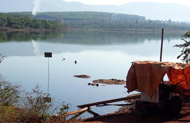 Nam thanh niên rơi xuống hồ mất tích trong lúc chụp ảnh - 1