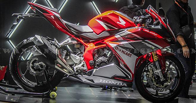 """Honda CBR250RR-R sắp trình làng: Ninja ZX-25R """"toát mồ hôi"""" - 1"""