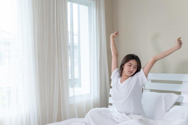 Tránh đột quỵ vào buổi sáng không phải cứ uống nước, đi vệ sinh sớm là tốt, mà phải làm ngay điều này - 1