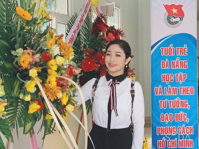 Hiện tại, Hồng Minh không có nhiều sản phẩm âm nhạc.