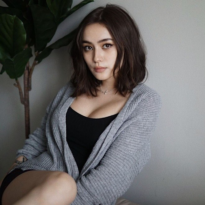 """""""Bông hồng lai"""" Việt – Đức xuất hiện trên báo Trung với nhan sắc sexy khó cưỡng - 13"""