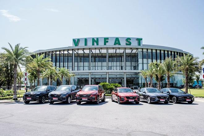 VinFast giảm giá gần 300 triệu đồng cho xe Lux trong tháng 5 - 1