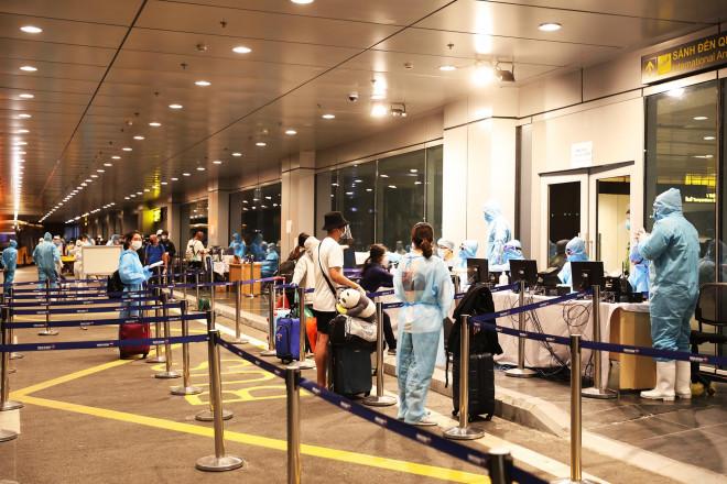 161 người về từ Mỹ cách ly tại Quân đoàn 1 âm tính với virus SARS-CoV-2 - 1