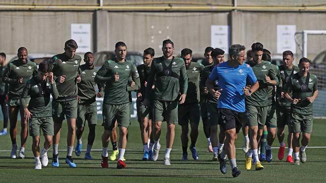 Thêm 3 cầu thủ La Liga nhiễm Covid-19, ban tổ chức hoảng sợ - 1