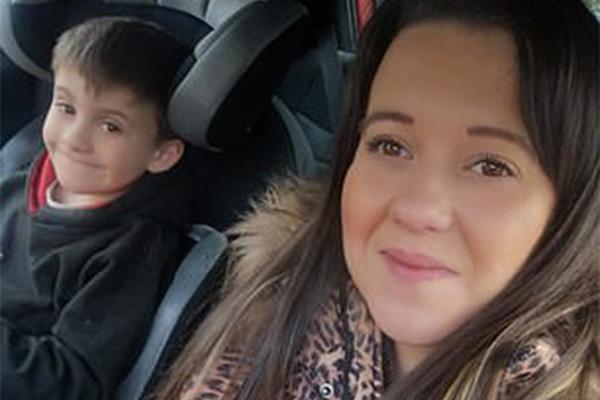 Cứu sống mẹ và em gái trong tích tắc, cậu bé 6 tuổi được khen ngợi như người hùng - 1