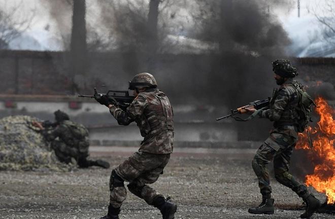 """Chuyên gia: Ấn Độ có thể thắng TQ ở biên giới bằng chiến thuật """"gậy ông đập lưng ông"""" - 1"""